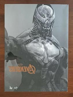 Hot Toys Chitauri Foot Soldier The Avengers MMS226Complete